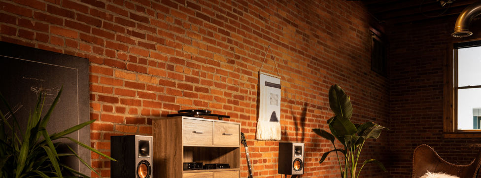 Bookshelf Speakers: What You Need to Know