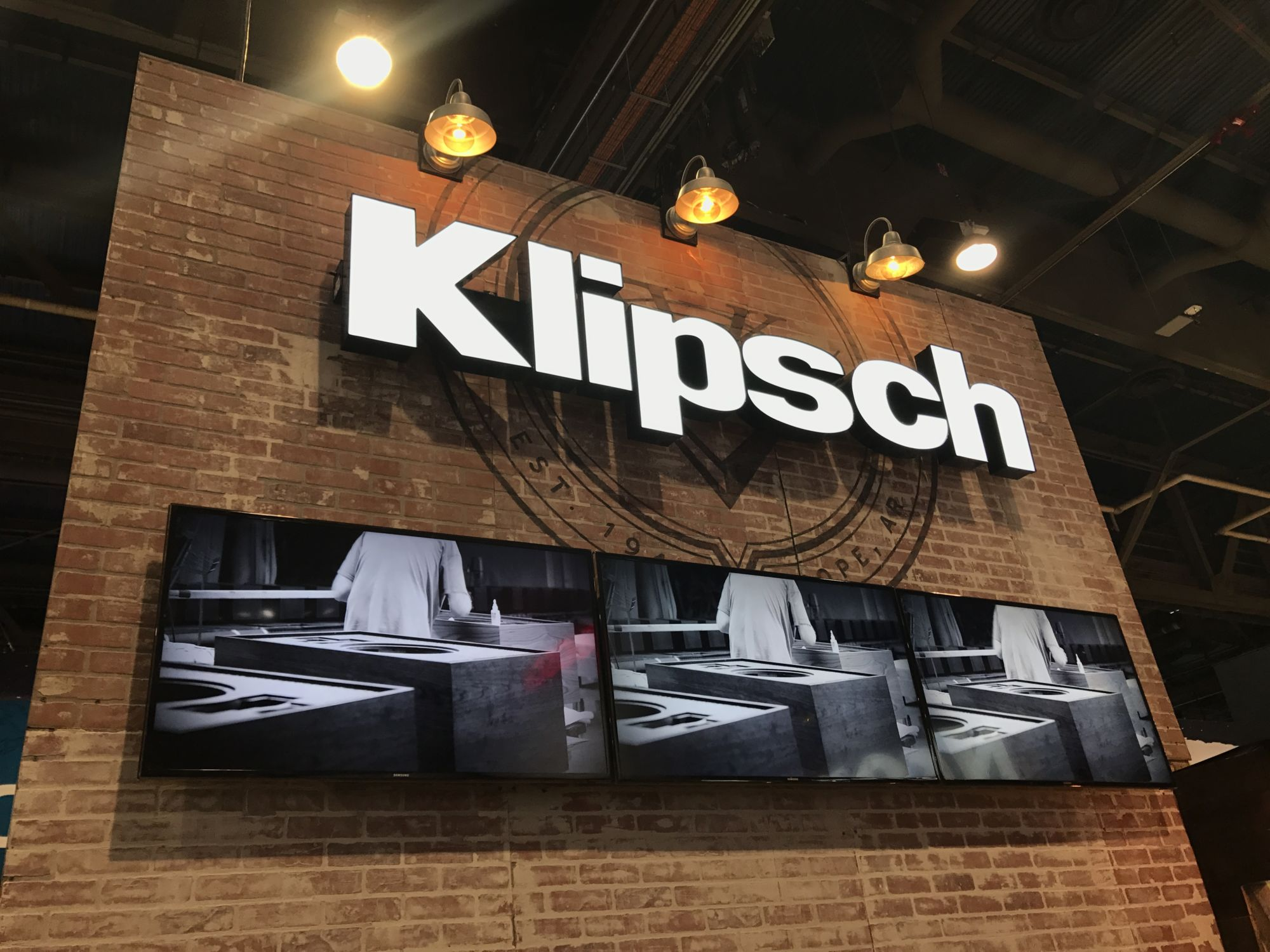 Klipsch logo sign at a convention
