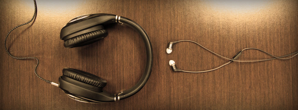 Comparing In-Ear vs Over-Ear Headphones