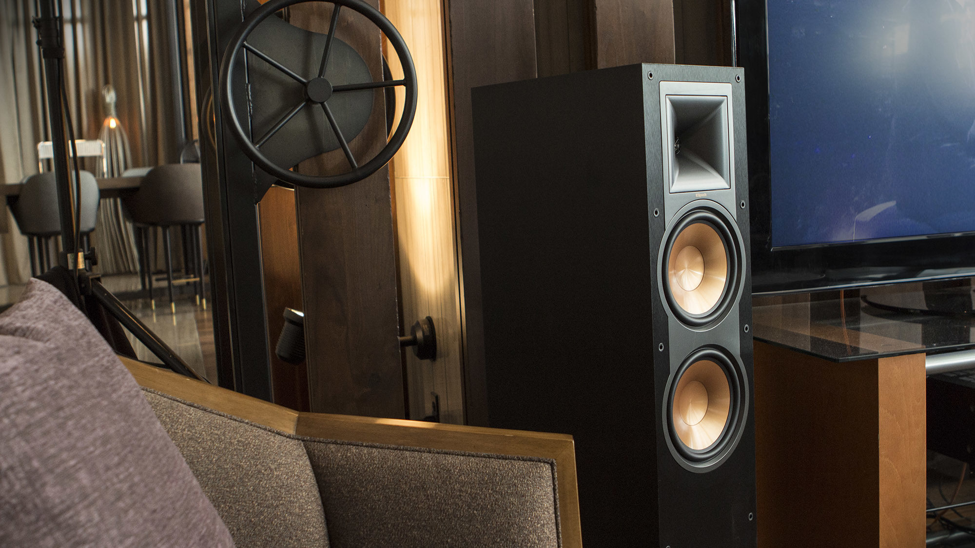 Klipsch  Reference  Series  Lifestyle