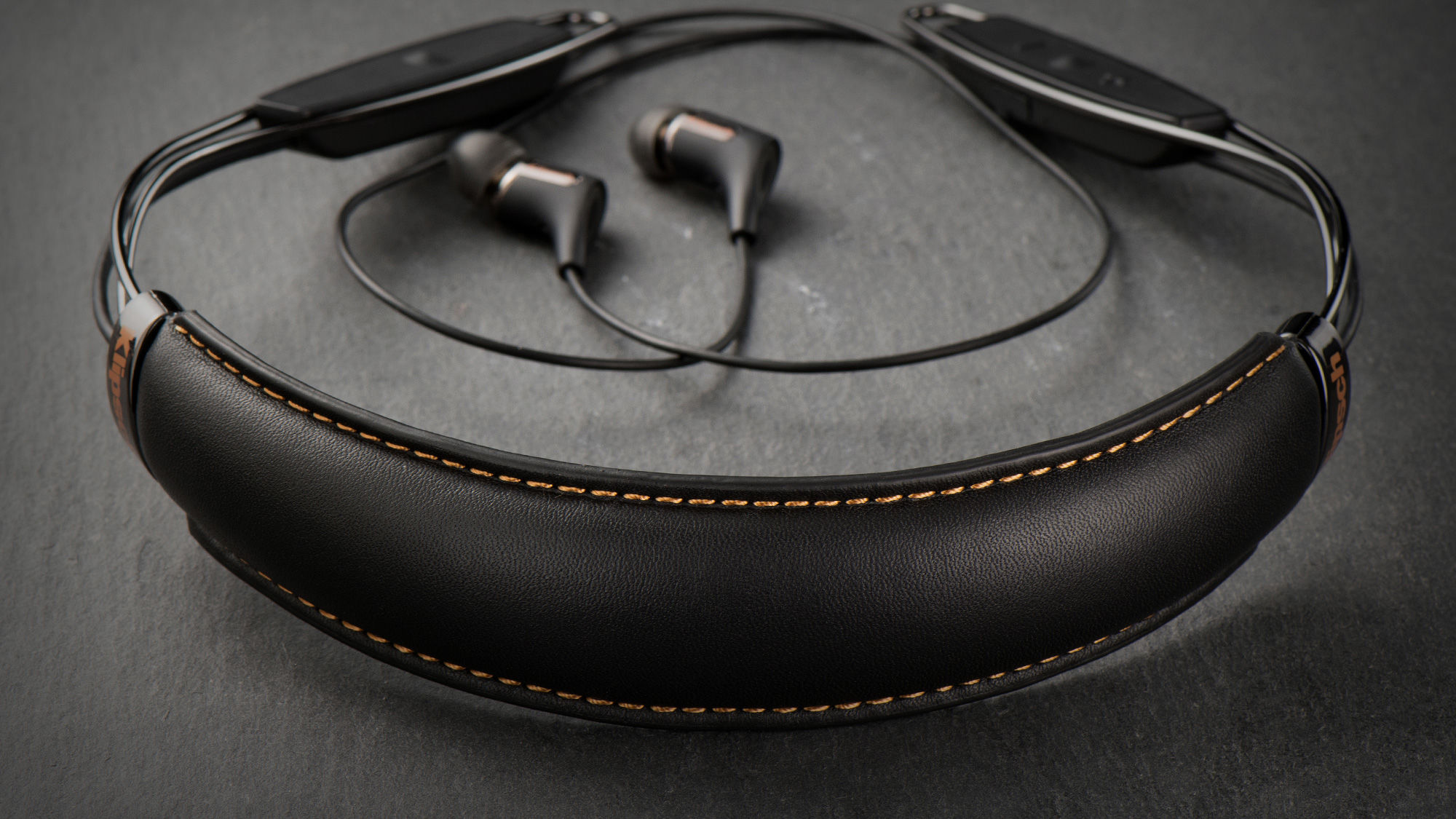 R6 Neckband Headphones | Bluetooth Headphones | Klipsch