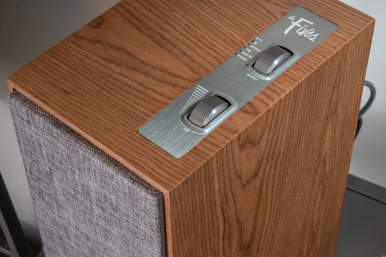 Klipsch the fives powered speakers wood material