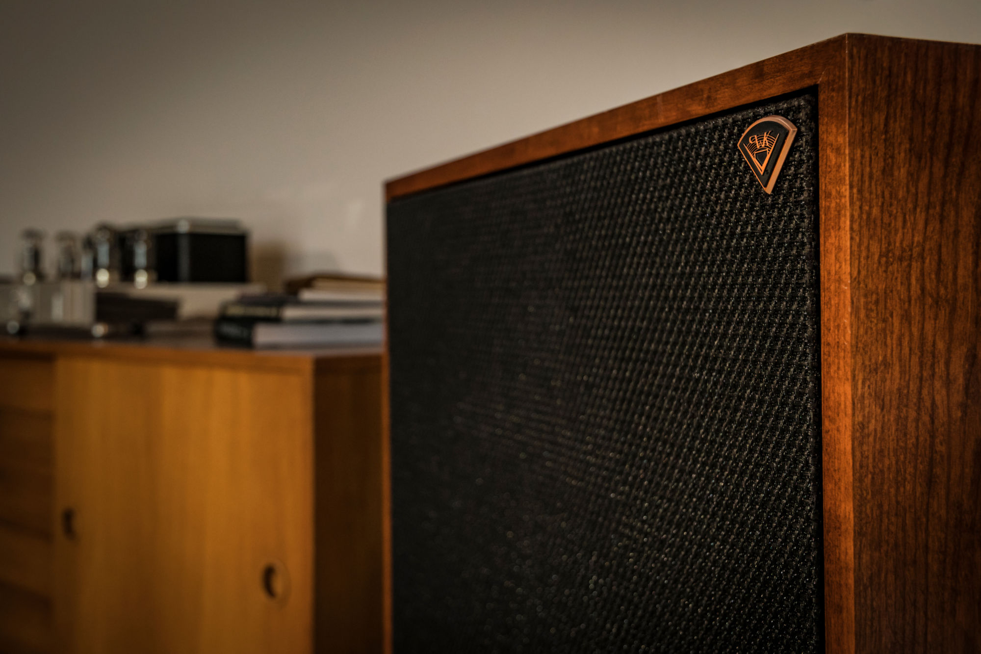 Klipsch Cornwall close up