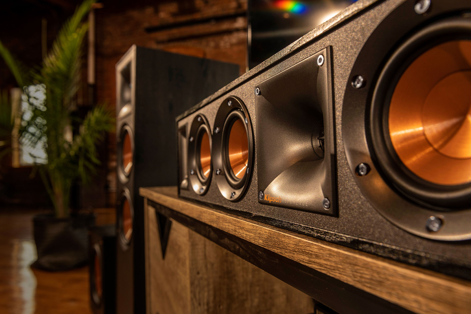 Klipsch Reference Speakers Lifestyle Gnm 17