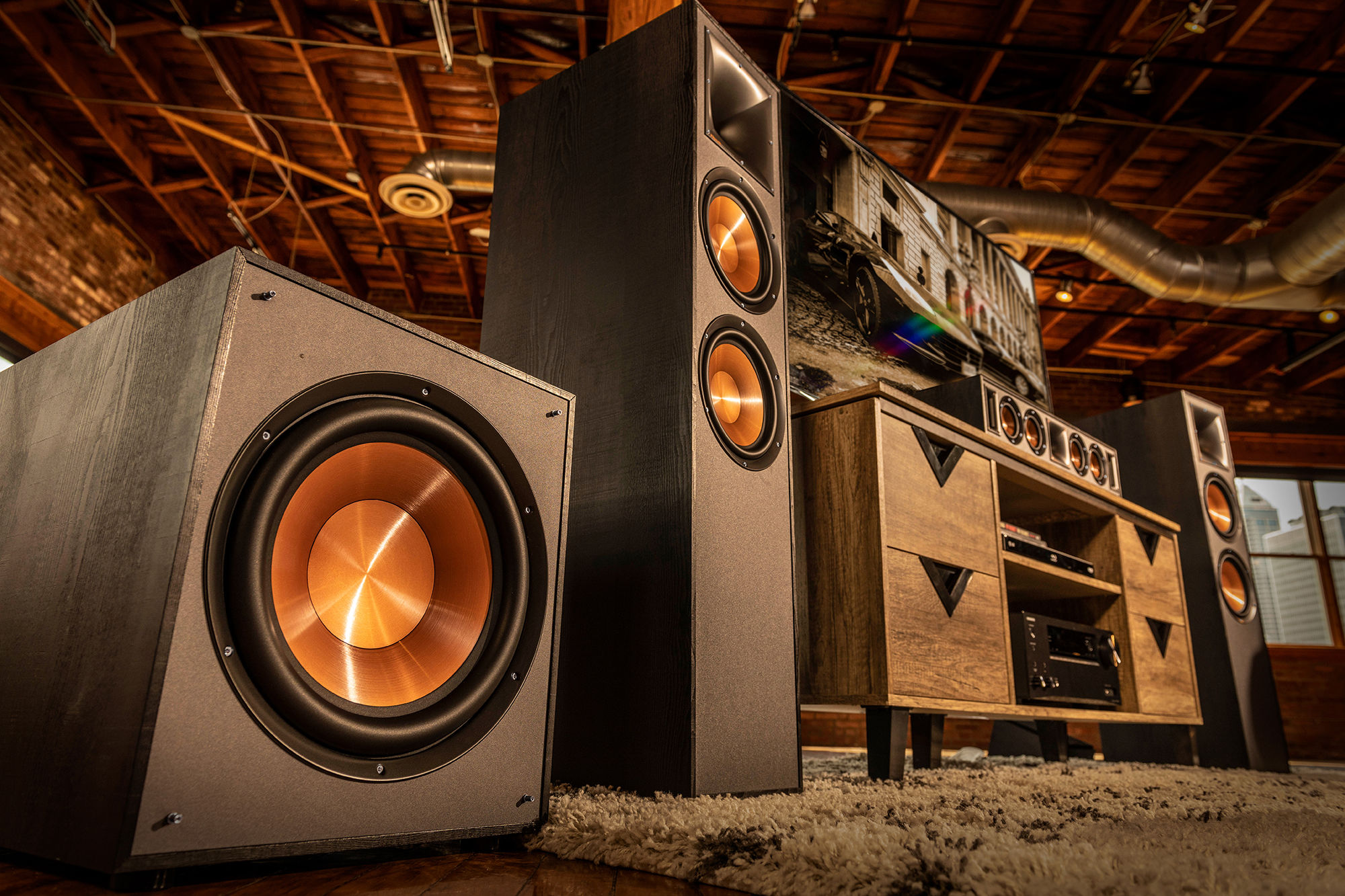 Klipsch Reference Subwoofers Lifestyle Gnm 16