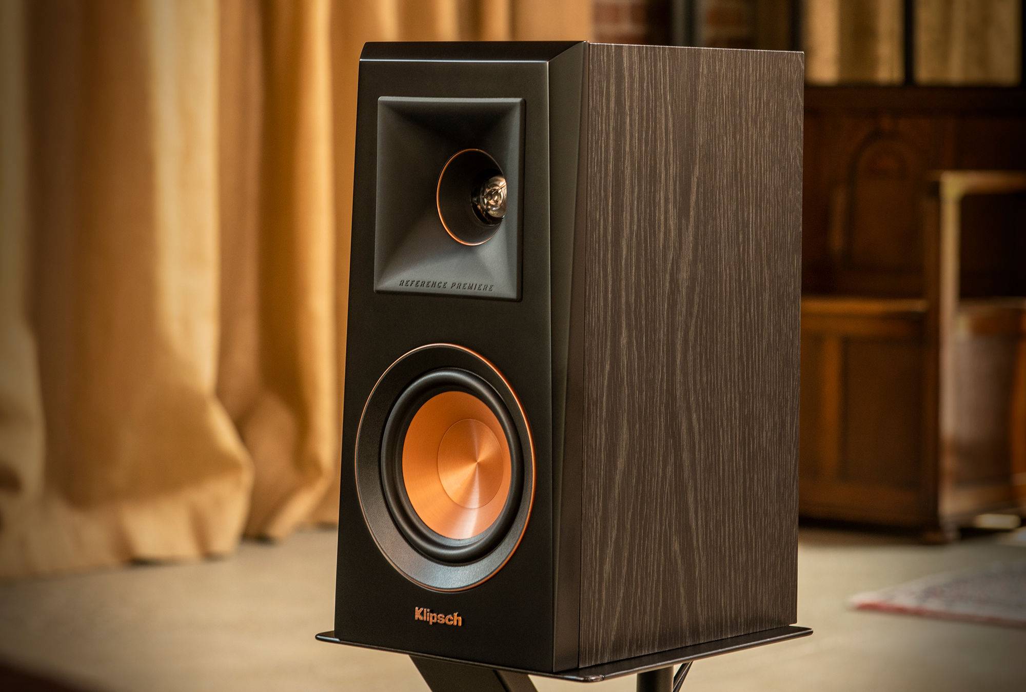 2018 Reference Premiere Bookshelf Speaker in Walnut