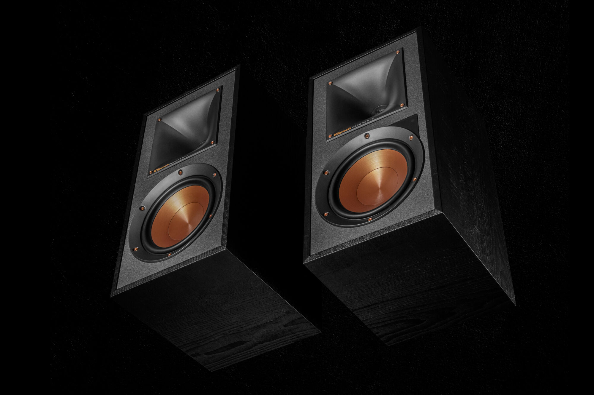 Klipsch powered bookshelf speakers best monitors