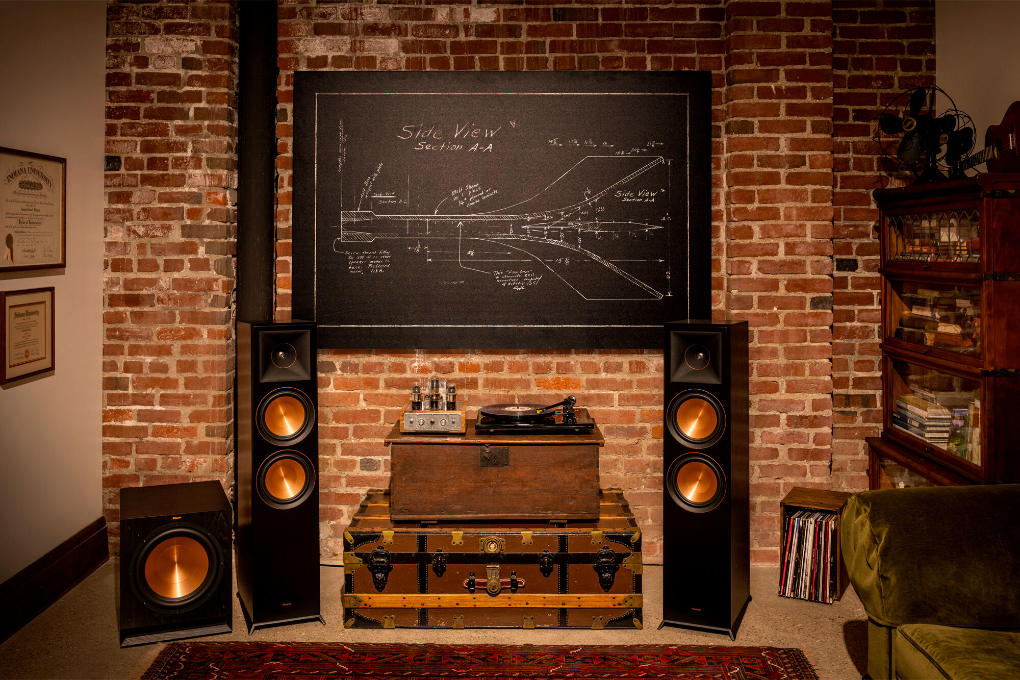 Klipsch where to place a caisson de basses