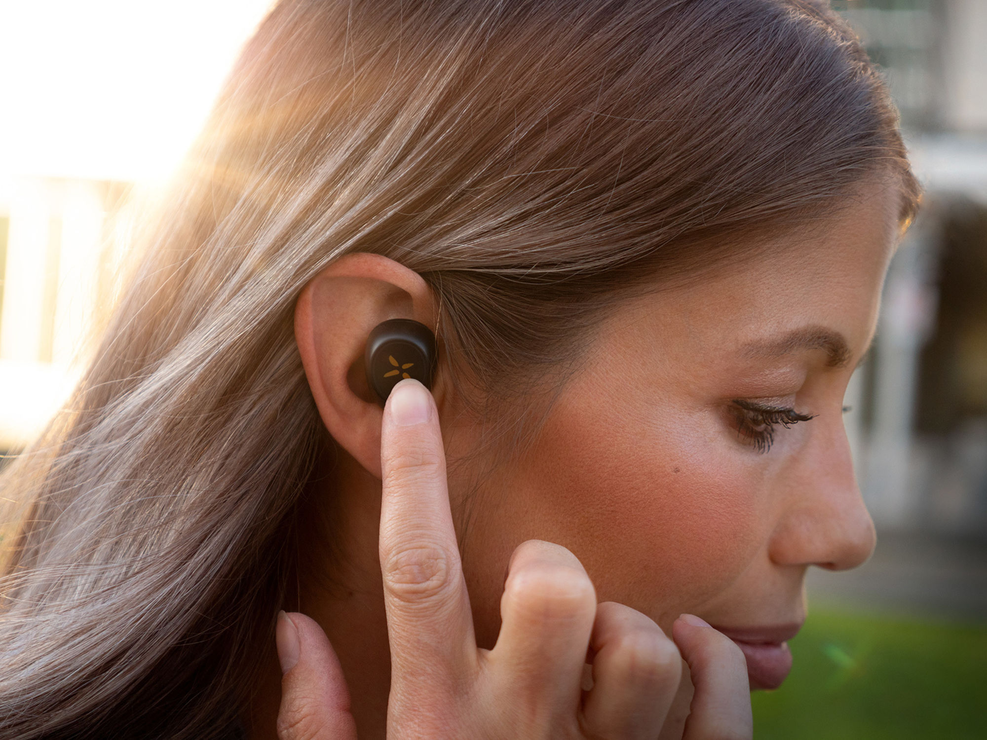 Klipsch S1 in a womans ear